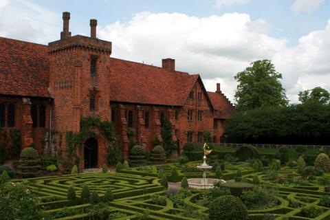 Hatfield House - Elizabeth's Childhood Home Biographies Legends and Legendary People Social Studies World History Geography