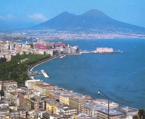 Mount Vesuvius and the Bay of Naples Visual Arts Geography