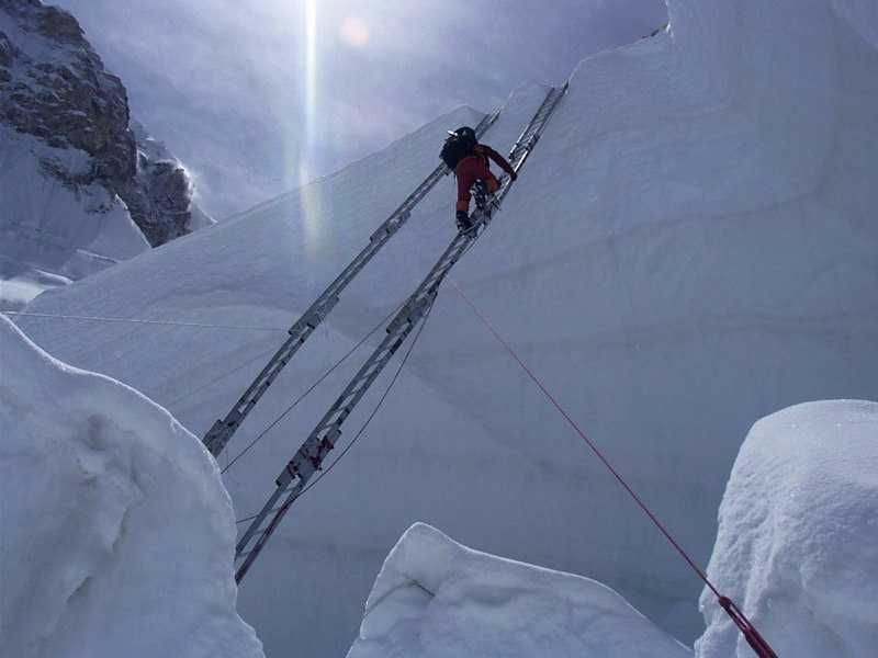 sherpas and their dangerous job on mt everest sherpas and their dangerous job on mt everest illustration famous historical events tragedies