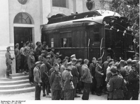 1918 Armistice Train - Germans Break Museum Walls Visual Arts Famous Historical Events Famous People Geography History Law and Politics Social Studies World History World War II