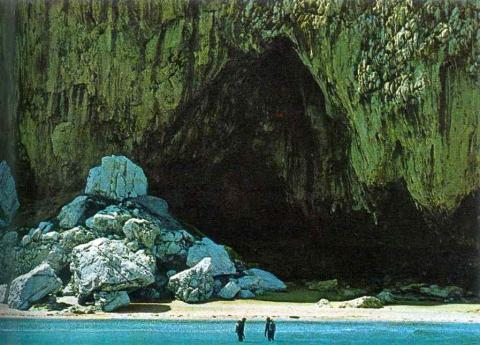 Neanderthals Gibraltar Livable Caves discovered in 1907 by Captain Gorman