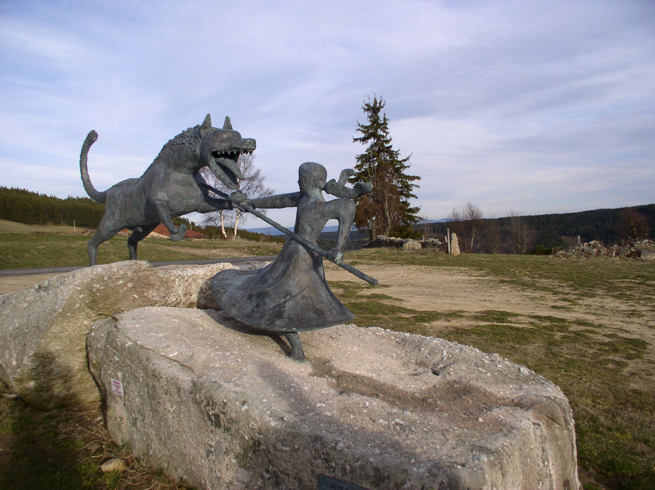 statue of the beast of gevaudan