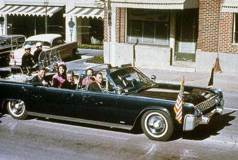 JFK En Route to Dealey Plaza American History American Presidents Government The Kennedys Disasters