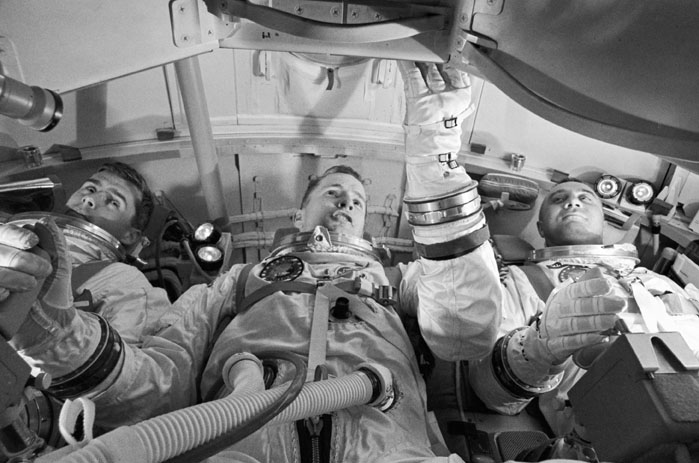 History of Flight - DEATH IN THE COMMAND MODULE