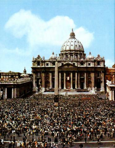 Crowds at the Vatican Philosophy Geography