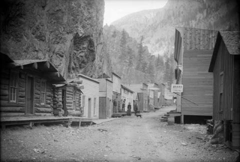 Mountains Form the Backdrop of a Mining Town American History Nineteenth Century Life Geography