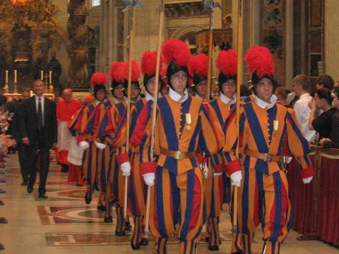 Swiss Guard a history of five centuries protecting Popes
