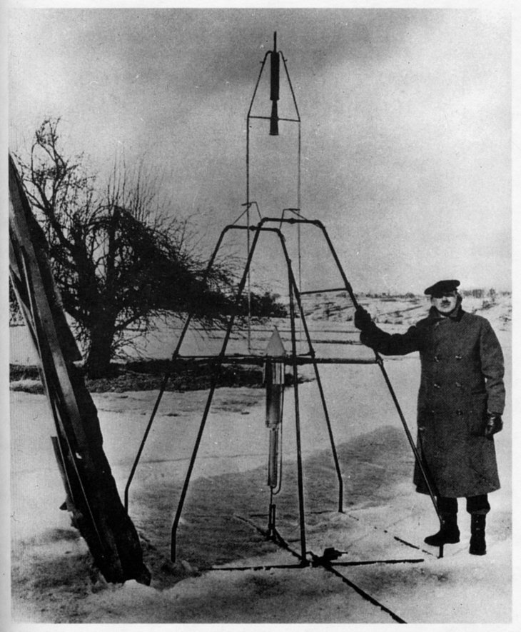 History Of Flight The First Rockets