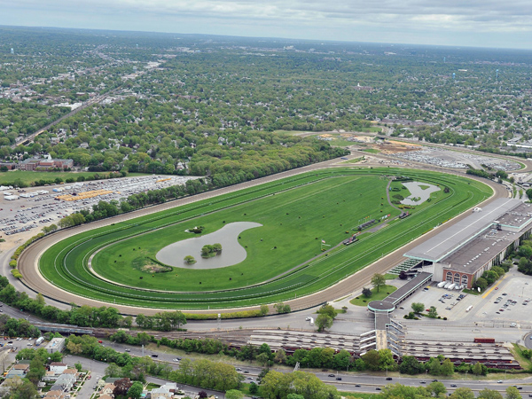 Long Island Race Track Town