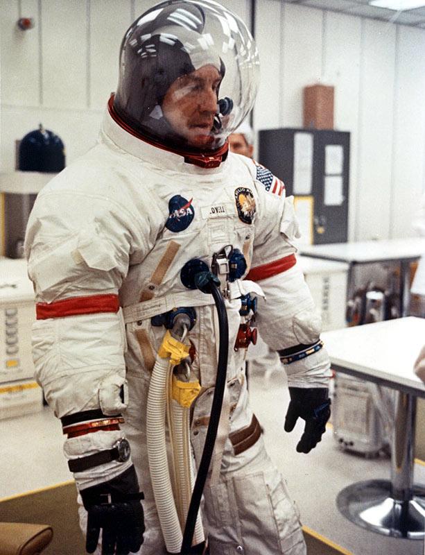 apollo 13 astronaut helmet - photo #17