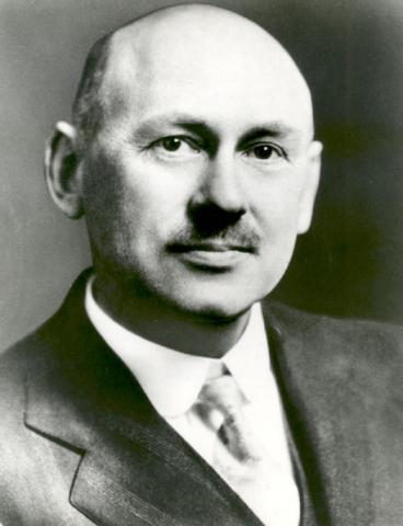 Robert Goddard Photo American History Famous People Aviation & Space Exploration STEM Tragedies and Triumphs Social Studies