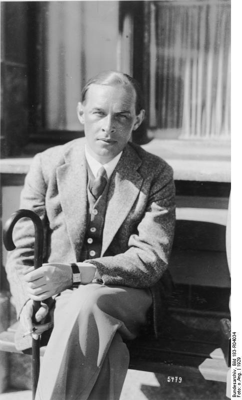 novel by erich maria remarque all Erich maria remarque's unfinished novel the promised land gets english  translation 85 years after anti-war classic.