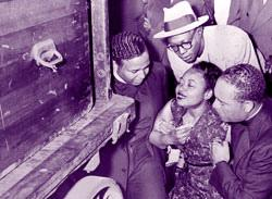 Emmett Till-Body Arrives in Chicago