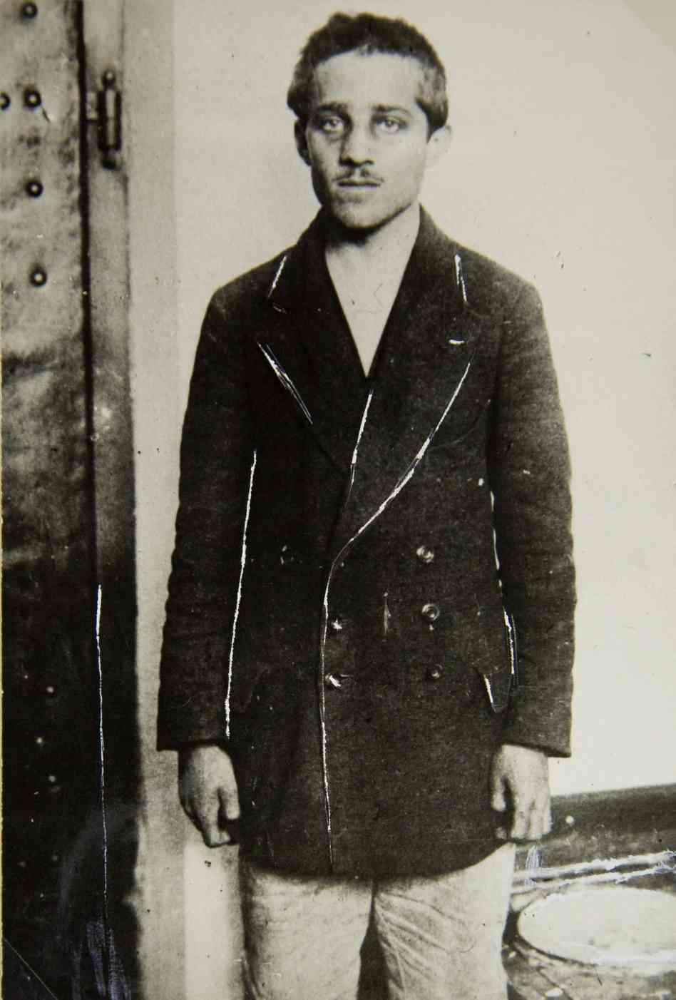 gavrilo princip Princip, gavrilo (1894 -1918) born: oblej the bosnian-serb who shot and killed archduke franz ferdinand, and set the wheels of world war in motion gavrilo princip was born the fourth of.