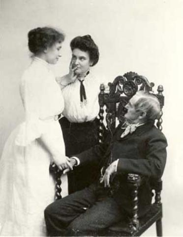 Helen Keller with Anne Sullivan, 1902
