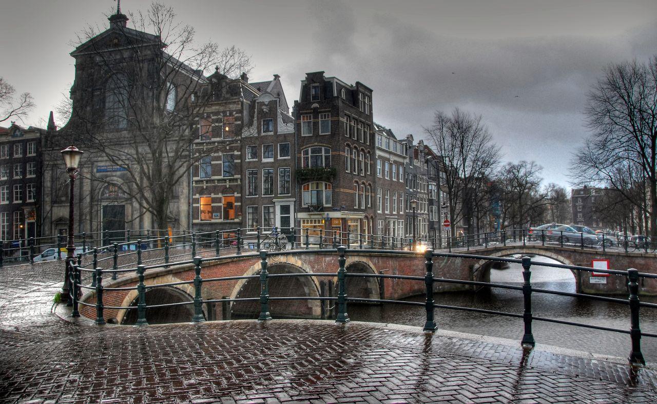 фотографии зданий в пасмурную погоду фотографии так