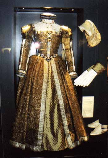 Dress, Mary Queen of Scots - A Reproduction
