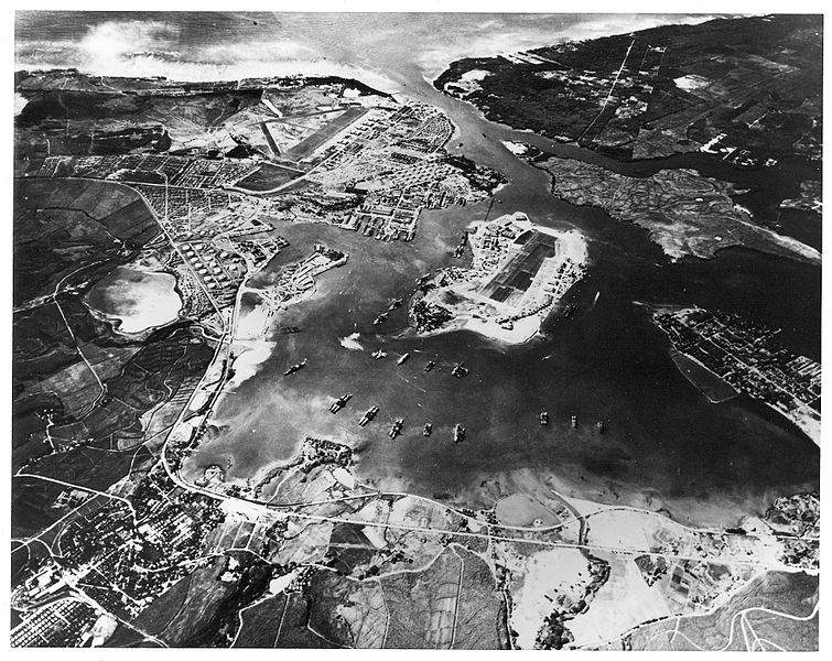 an analysis of the attack on the pearl harbor naval base by the japanese army This was the us naval base in hawaii that was attacked by japanese forces on december 7, 1941 it was the worst naval disaster in us history, with more than 2,000 casualties, dozens of aircraft destroyed, and 16 ships damaged or destroyed.